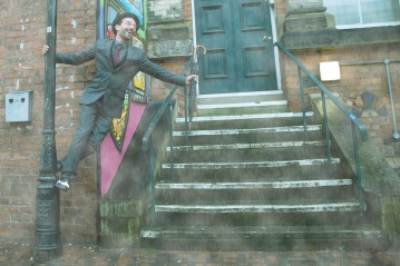 Hullywood Icon number 26 Film: Singing in the Rain Location: Near Zebedee's Yard.