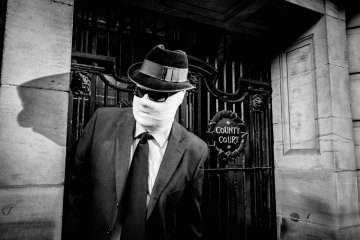 Hullywood Icon number 28 Film: The Invisible Man Location: outside Hull Court Rooms at the Guildhall.