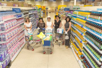Hullywood Icons numbers 131-138 Film: The Stepford Wives Location: Tescos at St.Stephens.